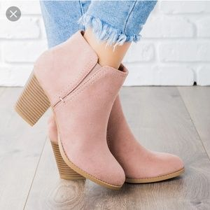 Shoes - Blush Pink Mauve Deep Side Cut Ankle Boots Size 8